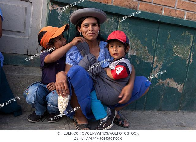 Mother ans sons. Bolivia