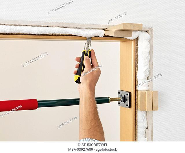 Door frame, installation, instructions, step 6, man, detail