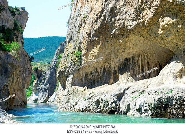 Lumbier gorge and Irati river