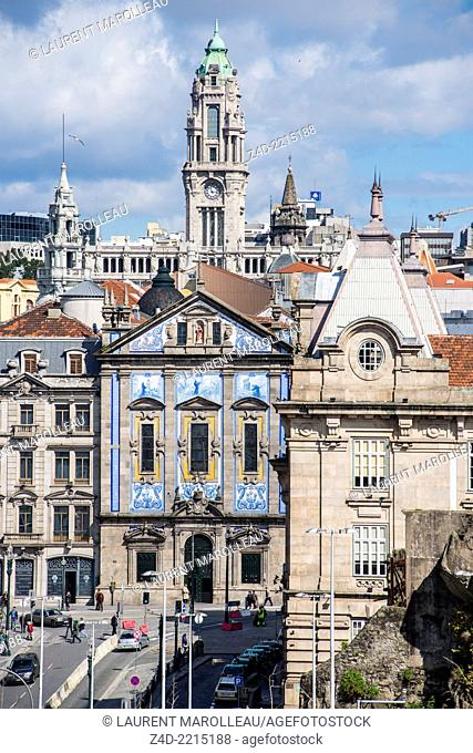 Saint Anthony's Congregados Church and the tower of the Town hall. Porto, Douro Litoral Province, Portugal, Europe