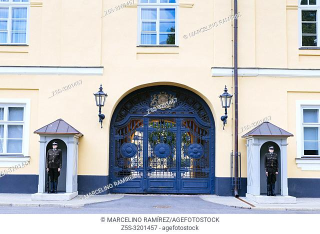 Soldiers stand guard at the residence of the president of Latvia. Riga Castle. Riga, Latvia, Baltic states, Europe