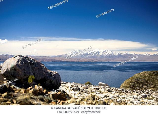 Cordillera Real Mountains, Isla del Sol, Lago Titicaca  Reserva Nacional del Titicaca  Bolivia