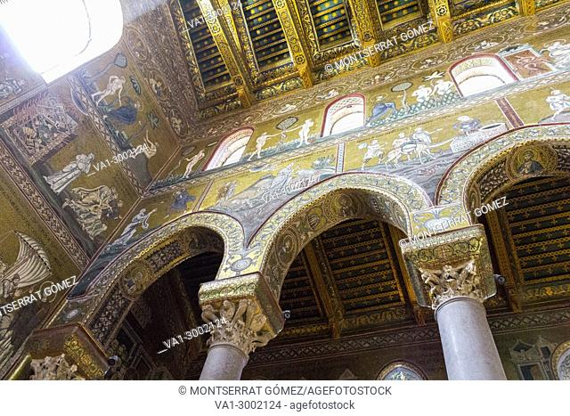 The cathedral interior with the largest cycle of Byzantine mosaics extant in Italy. Monreale, Sicily. Italy