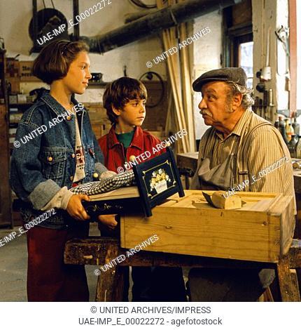 Pumuckl und der blaue Klabauter, Deutschland 1994, Regie: Alfred Deutsch, Horst Schier, Darsteller: Petra Benovsky, Matias Rothammer, Gustl Bayrhammer