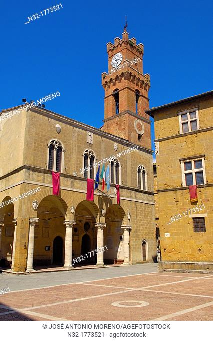 Piazza Pio II square, Pienza, Siena province, Val d'Orcia, UNESCO world heritage site, Tuscany, Italy