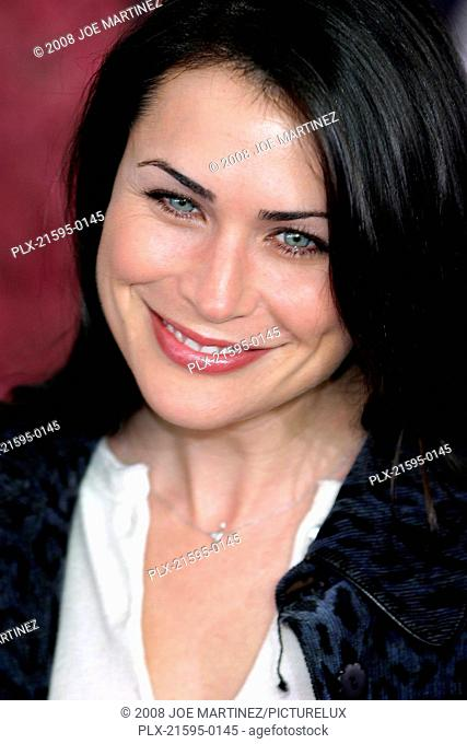 Dr. Seuss's: The Cat in the Hat Premiere 11-8-03 Rena Sofer Photo By Joe Martinez