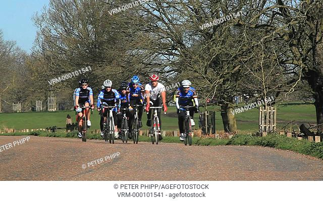 Club Cyclists teams training in Richmond Park in London