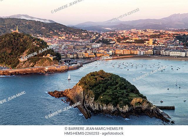 Spain, Basque Country, Guipuzcoa province (Guipuzkoa), San Sebastian (Donostia), European capital of culture 2016, view from Igeldo Mount