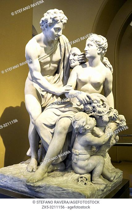 Vertumnus and Pomona about 1725. by Laurent Delvaux (1696 - 1778). marble. Victoria and Albert Museum. London, England