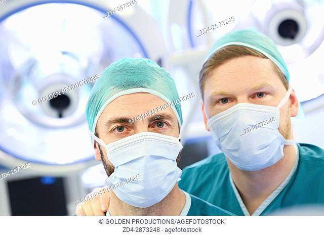 Surgeons, Operating room, Hospital, Spain