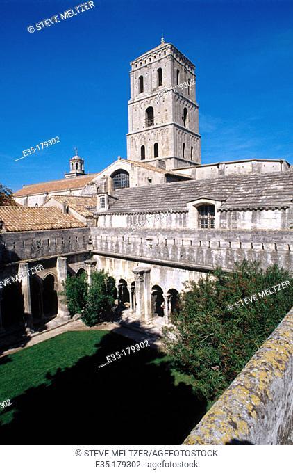 Cloister of the Church of Saint-Trophime. Arles. France