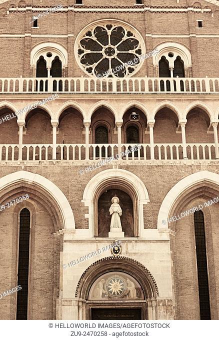 Facade of the Basilica di Sant' Antonio da Padova, Veneto, Italy, Europe