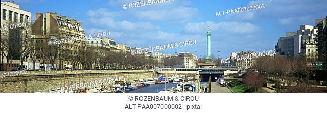 France, Paris, the River Seine, panoramic view