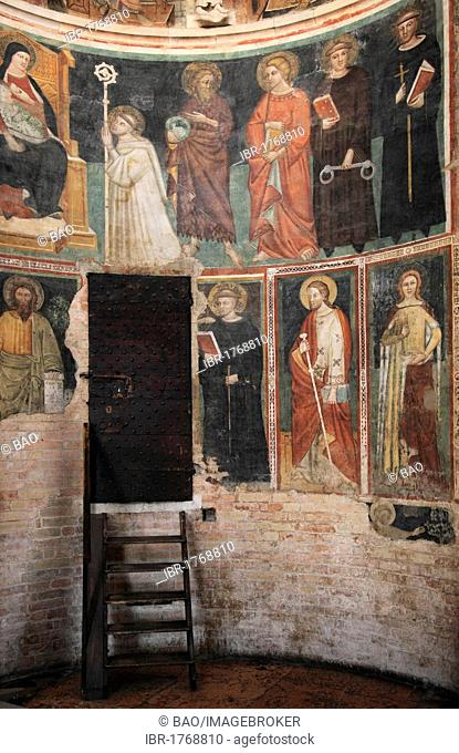 Interior with frescos from the 12th Century, Baptistery, Parma, Emilia Romagna, Italy, Europe