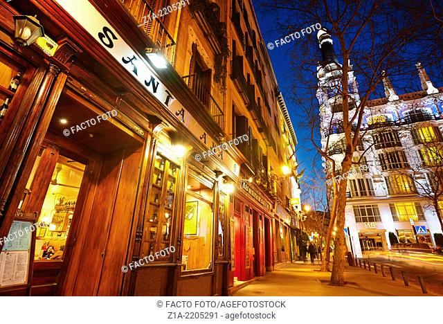 Santa Ana tapas bars and restaurants by night. Madrid. Spain