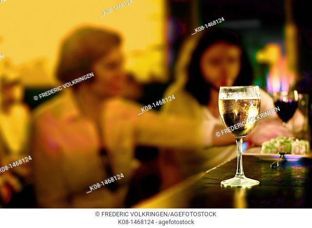 glass, beer wine, bar, pub, night
