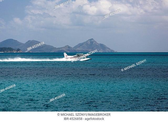 Seaplane in Great Barrier Reef Marine Park, Whitsunday Islands National Park, Whitsunday Islands, Queensland, Australia