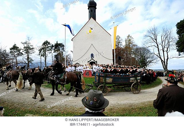 Blessing of the participants of the Leonhardifahrt, a procession with horses for the feast day of Saint Leonard of Noblac, Bad Toelz, Upper Bavaria, Bavaria