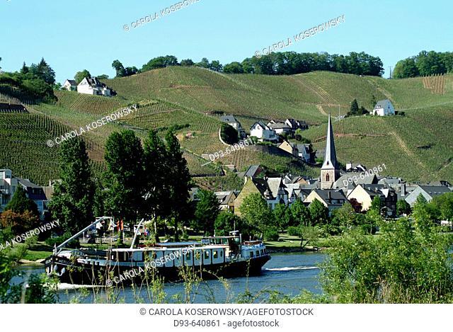 Germany. Rhineland-Pallatinate. Moselle River Valley. Ürzig