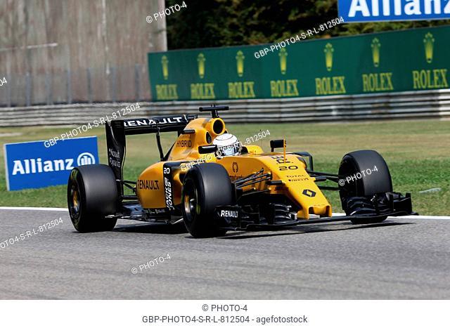 02.09.2016 - Free Practice 2, Kevin Magnussen (DEN) Renault Sport F1 Team RS16