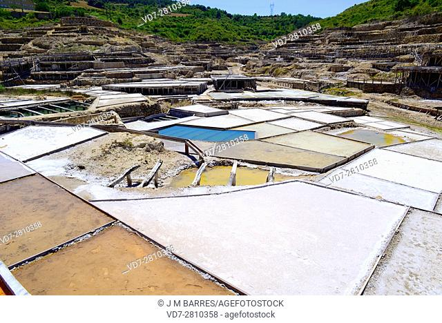 Salt evaporation ponds, salt works or salterns are artificial ponds ready to extract salts for water evaporation. The exploitation of Salinas de Anana began 6