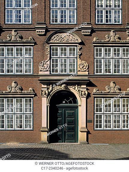 Germany. Hamburg, Elbe, Freie Hansestadt Hamburg, Peter Street, brick buildings, Justus House, Friederich Justus, entrance door