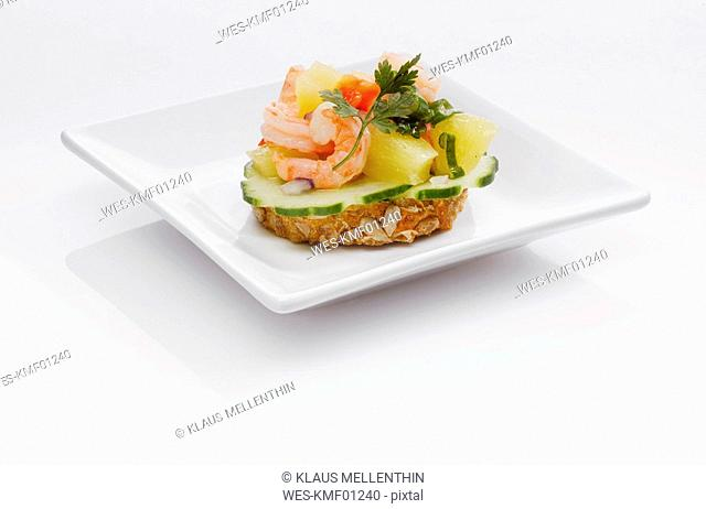 Sandwich with shrimps and pineapple