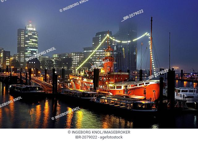 Lightship, Port of Hamburg, by night, fog, Hamburg, Germany, Europe