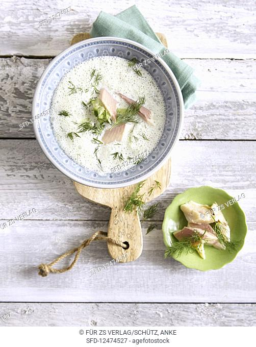 Cold yoghurt soup with smoked trout (low carb)