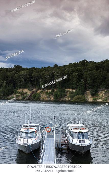 New Zealand, South Island, Southland, Manapouri, Fjordland National Park, boat marina