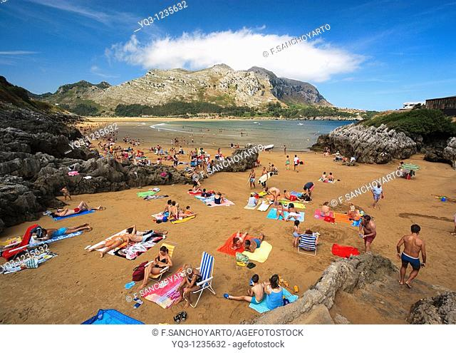 Arenillas beach with Candina in background, Castro Urdiales, Cantabria, Spain