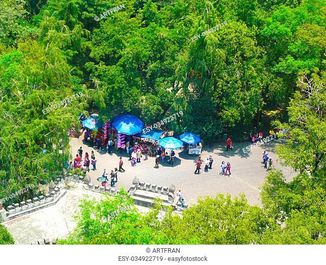 Chapultepec park, M?xico DF, a hot spring day