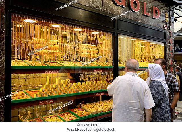 Turkey, Istanbul, People at gold jewellery store