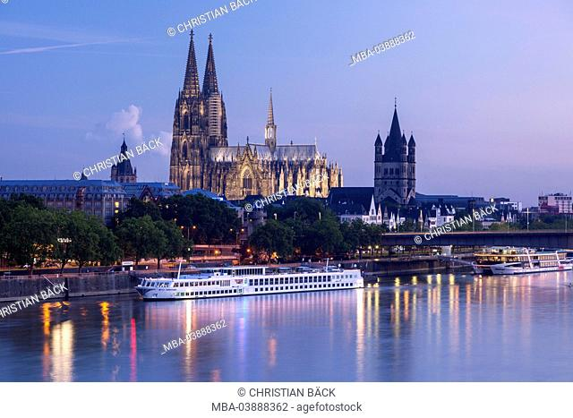 City hall, Church Groß St. Martin and Cologne Cathedral with the Rhine River, Cologne, North Rhine-Westphalia, Germany