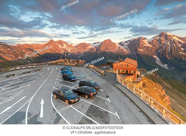 Grossglockner hig alpine road, the highest altitude, the car parking and the Edelweiss hut on the Edelweiss spitze, Fusch an der Grossglocknerstrasse, Austria