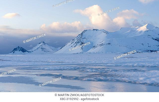 Landscape in the eastern fjords of Iceland between Hoefn and Djupivogur. europe, northern europe, iceland, february