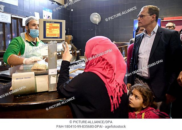 10 April 2018,Amman, Jordan: German President of the Bundesrat Michael Mueller of the Social Democratic Party (SPD) and his wife Claudia visit the supermarket...