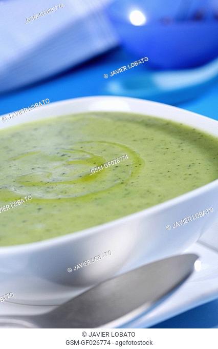 Cold cream aubergine soup