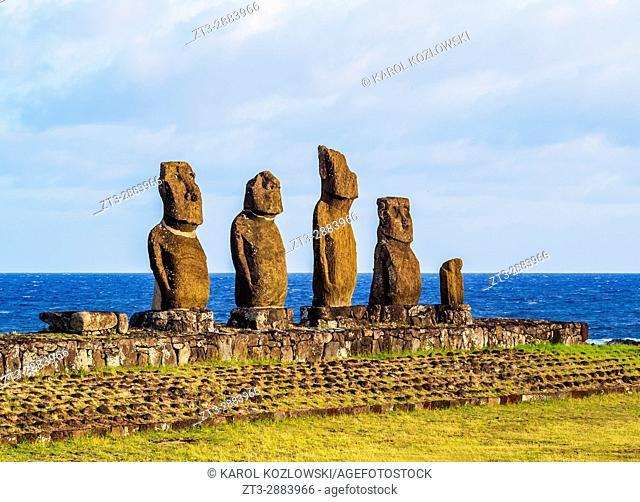 Moais in Ahu Vai Uri, Tahai Archaeological Complex, Rapa Nui National Park, Easter Island, Chile