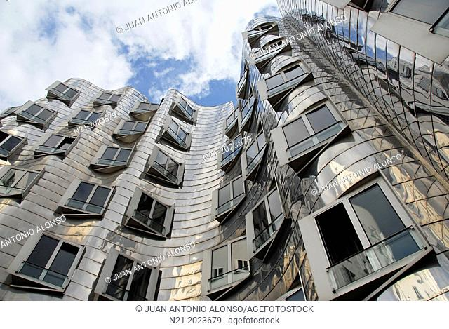 The Neue Zollhof Complex by architect Frank O. Gehry at the eastern Rhine River harbourfront. Dusseldorf, North Rhine Westfalia, Germany, Europe
