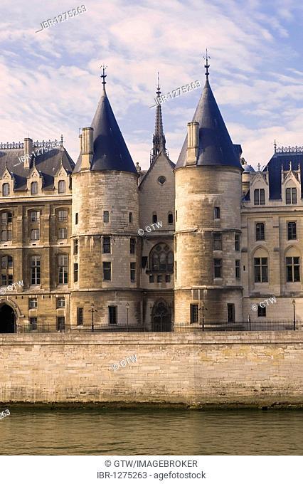 Former Conciergerie jail, banks of the Seine, Ile de la Cite, Paris, France, Europe