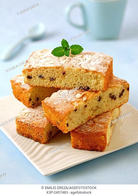 Sponge cake with chocolate chunks and almonds