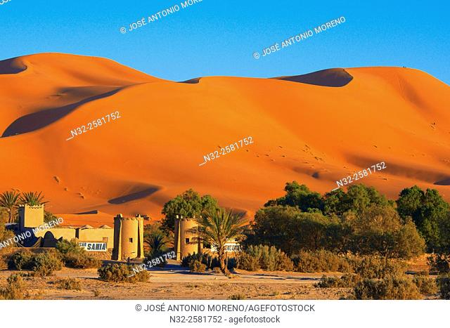 Merzouga, Erg Chebbi, Merzouga sand dunes, Sahara Desert, Morocco, Maghreb, North Africa
