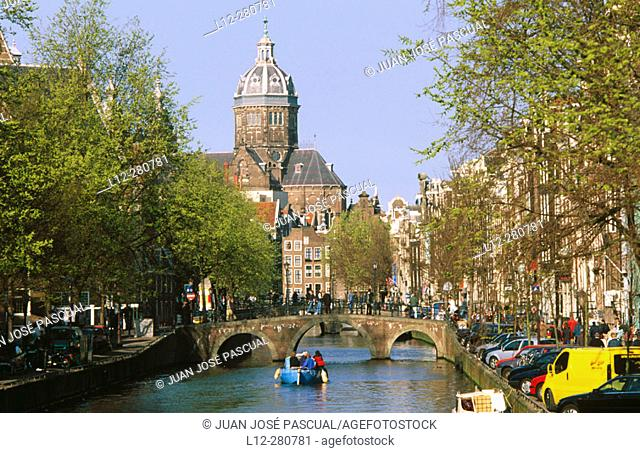 Oudezijs Voorburgwal Y S. Nicolas. Amsterdam. Holland