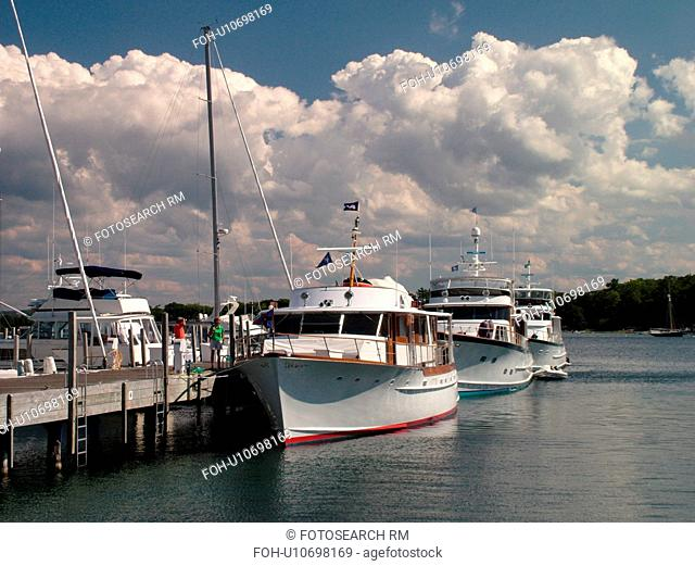 Harbor Springs, MI, Michigan, Lake Michigan, marina, pier, dock, boats