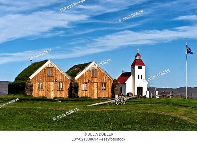 Kirche am höchstgelegenen Bauernhof Islands