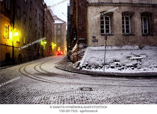 Brzozowa street in the evening in heavy snowfall, Old Town in Warsaw, UNESCO World Heritage List, Poland, Europe