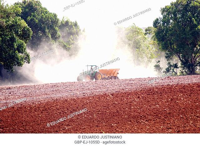 Soil Correction, Limestone Application, Campina do Monte Alegre, São Paulo, Brazil