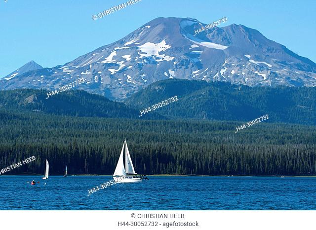 North America, America, USA, American, Pacific Northwest, Oregon, Deschutes National Forest, Cascade Lakes Highway, Elk lake and South Sister