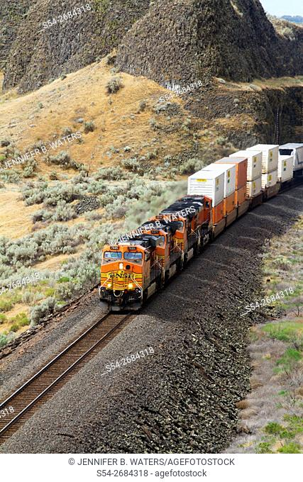 A BNSF stack train heading eastbound at North McNary, Washington, USA